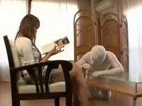 水道修理に来ていた配管工が透明人間になり若妻を犯す