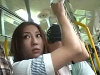 尻を触ったらニラんで来た美人人妻にバス乗客全員が襲いかかり鬼畜強姦