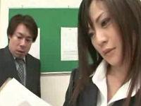 美人秘書に弱みを握られた課長が発狂して社内で犯しまくる