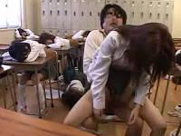 女子校の給食に睡眠○を混入して起きないJK達を順番に犯す変態教師