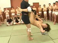 全裸にされたら男達に即輪姦される格闘技に挑む暴走族の女総長