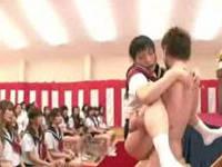 ブルマの精神を伝える為に全校生徒の前でセックスする優等生女子