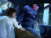 運転手と組んでタクシーで寝ていたお姉さんの後部座席に乗り込み鬼畜レイプする男