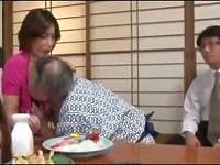 借金の肩代わりに夫の目の前ですけべ社長にベロチュウされ乳首吸いまくられる美人奥さん