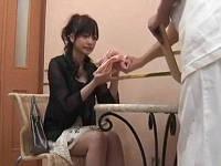 セレブ専用オイルマッサージ店に来た美人美乳人妻がスケスケパンツに着替えさせられ中出しされる