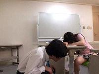 講習中に寝た女性のパンツ見て生乳イジっていたら逆に生ハメを求められカニばさみでロックされる講師