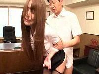 社長に逆らえず我慢して犯された美人秘書が怒り爆発しマ○コ押し付け腰振りまくる淫乱痴女に豹変する