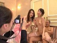 結婚式披露宴で新郎より先にすけべ義父が新婦のマ○コをベロベロ舐めて味見セックスし記念撮影する