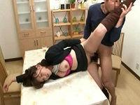 家庭訪問に来た色白女教師を眠らせマ○コ観察しパンスト被り脚しゃぶりながら勝手にチ○コハメまくる鬼畜父親