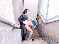 掃除していた若奥さんの腰Tバックパンチラに発情してジーパンずり下げ階段でパンパンハメまくる