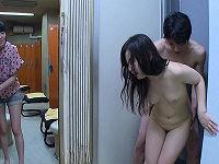 女性の全裸見たさに女装して女風呂に潜入した男が興奮して勃起したチ○コのせいでバレてしまい開き直ってハメまくる