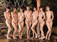 全裸の可愛いお姉さんや美人なお姉さんたち7人と旅行に行ってエッチやり放題で乱交セックスしまくる
