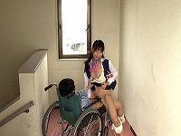 お見舞いに来てくれた美人姉の無防備な胸チラを目撃し我慢出来ず車椅子騎乗位でハメて腰ピストンで突きまくる