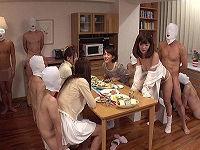 備え付けのチ○コを使い放題出来るシェアハウスで勝手に生チ○コハメて腰振って性欲を満たす女子大生たち