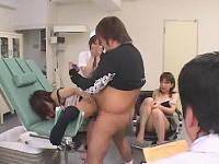 産婦人科に忍び込みお姉さん達にいたずらして勝手に中出し