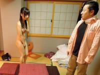 ピザ屋のムチムチ巨乳女性店長がクレーム対応で訪れた怒れる客の家で全裸土下座を敢行し収拾を図るが許してもらえずチ○コハメられまくる