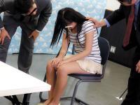 コンビニの店長が万引きしたギャルを捕まえ反省の色が無かったので父親呼んで娘の身体検査してチ○コハメまくる