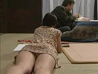 パンチラを見た親戚のおじさんに寝ている所をこっそりねじ込まれる女性