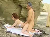 嫁の着物姿に欲情して年甲斐も無く岩場の影でセックスしました…