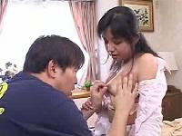 兄の居ぬ間にすけべ乳首の兄嫁とセックスする