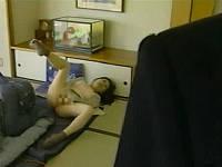 恥ずかしいオナニーの現場を義息子に目撃された人妻