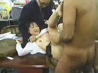 AV面接に来た主婦を脱がしてその場で実技指導する