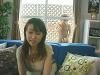窓から乱入した全裸男がミニスカお姉さんに前戯無しで即ハメして喘がせる