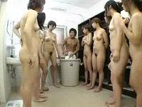 お姉さんだらけの女風呂で強制セックスさせられ精液をしぼり取られる