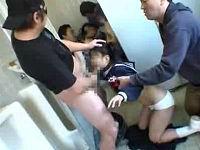 入学式帰りの親子をトイレに連れ込み母親の前で娘を手マンして強制フェラさせる鬼畜集団
