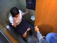 トイレで用をたしていたら鍵開けられて鬼畜掃除人に犯される巨乳女子校生
