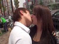路上で声を掛けた乳デカお姉さんにキスしていやらしい気持ちにさせてセックスする