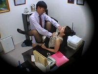 社長が出かけたのをいい事に男性社員を連れ込みセックスしまくるむっちりすけべ秘書