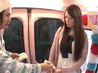 女子大の文化祭で声をかけた高身長女子に金をチラつかせ直立手マンしたらアヘりだしたのでハメまくる
