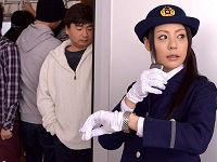 鉄道会社で働くむっちりデカ尻人妻車掌が自ら囮となり捕まえた痴漢に犯されまくる