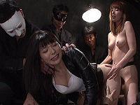 ミニスカ美人麻薬捜査官が極秘潜入捜査中に男たちに捕まりヤク漬けにされてアヘ顔状態で犯されまくる