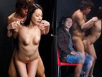 旦那が妻の裸を賭けてクイズに挑戦、間違えると妻が1枚ずつ脱いで全裸になると目の前で男優さんにチ○コハメられる