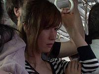 仕事帰りの通勤バスでの出会いをきっかけに極上スレンダー美人妻に連日痴漢を決行しまくり大量に潮を吹かせる痴漢男