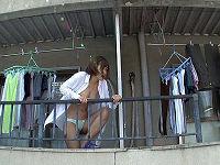 モテない男の部屋のベランダに裸同然の見知らぬ女がやってきたのでチャンスと思いチ○コハメまくる
