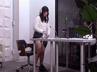 あなたの職場で撮影します企画でガテン系職場で全裸開脚状態で持ち上げられマ○コ披露して発情した男たちに舐められハメられまくる