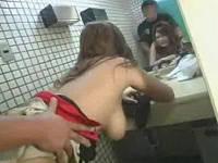 巨乳ガソリンスタンド店員にトイレで逆ナンされセックス