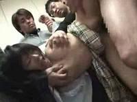 むっちり巨乳女子校生を脅しエレベーター内でレイプする鬼畜集団